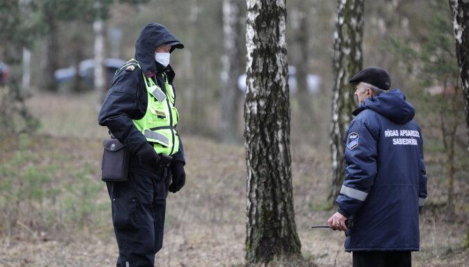 Полиция провела вдвое больше проверок на соблюдение ограничений, чем днем ранее: заведено 13 дел