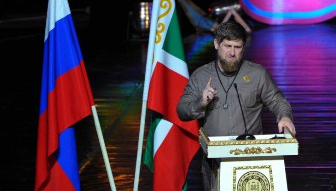 Uzrīdīt suni Tarzanu un 'izārstēt' – Kadirovs iestājas par draugu Putinu