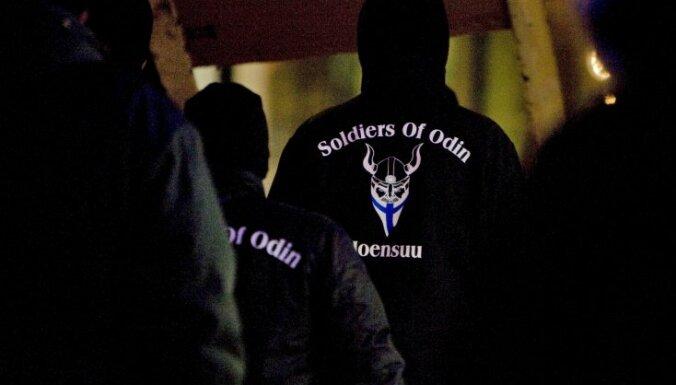 'Odina kareivju' atbalstītāji Latvijā aicina aizliegt ANO Bēgļu aģentūras kampaņu