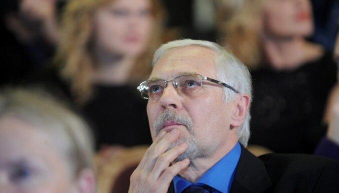 Režisors Krilovs un žurnāliste Brauna atsauc kandidatūru uz NEPLP locekļa amatu