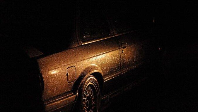 Пьяные подростки угнали с фермы старенькую Audi 80 и попали в аварию