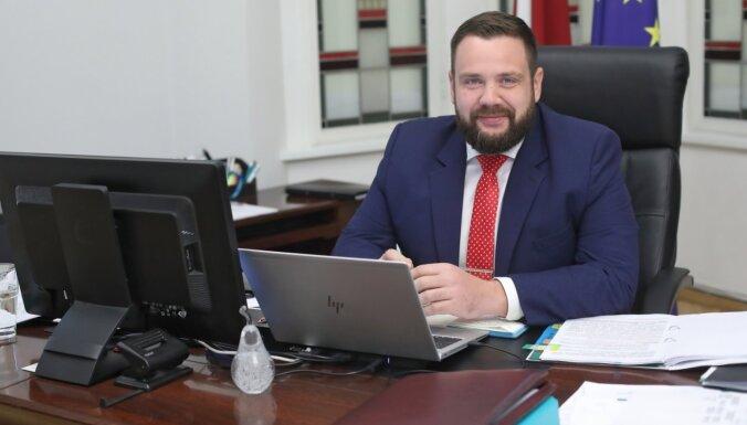 Ekonomikas ministrs mudina uzņēmējus motivēt sabiedrību vakcinēties pret Covid-19