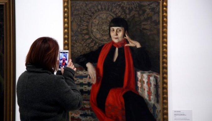 Foto: LNMM atklāta Latvijas mākslas spilgtāko portretu izstāde