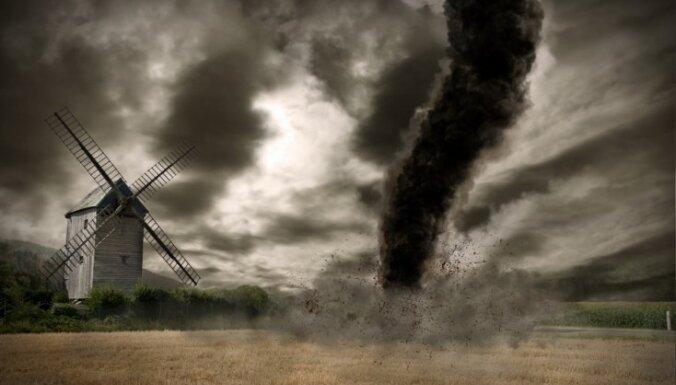 Sinoptiķi brīdina par stiprām pērkona lietusgāzēm