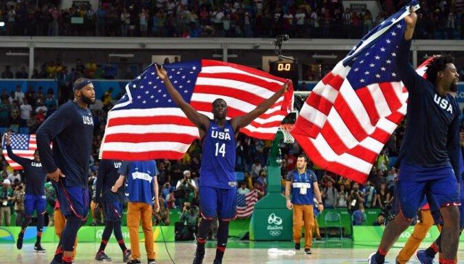 DeMarcus Cousins, Draymond Green, DeAndre Jordan celebrate win USA