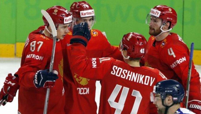 Krievijas hokejisti samazina Slovākijas cerības uz ceturtdaļfinālu