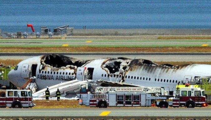 Boeing-777 упал при посадке в аэропорту Сан-Франциско