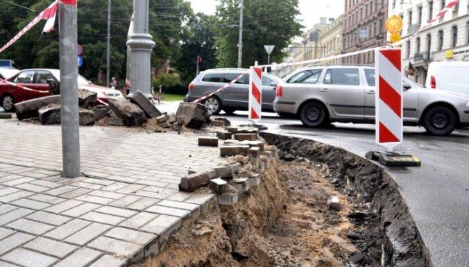 Rīgas ielu remontus pavada konkursus apejoša shēma, konstatē 'Nekā personīga'