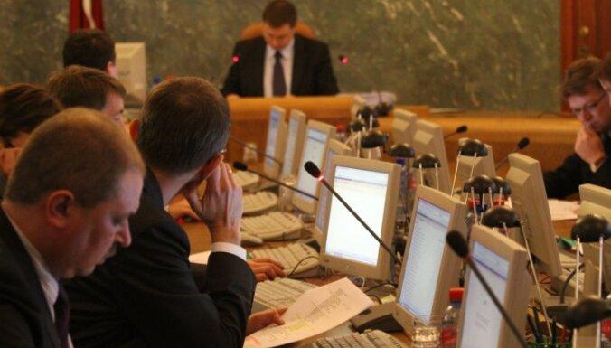 Valdība negrasās ņemt vērā Tiesībsarga rājienu par nelikumīgu IIN iekasēšanu
