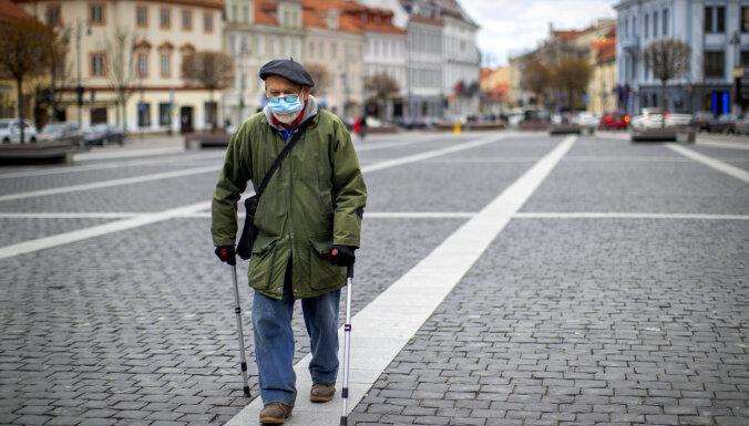 Lietuvā ar koronavīrusu inficējušies vēl 724 cilvēki; deviņi miruši