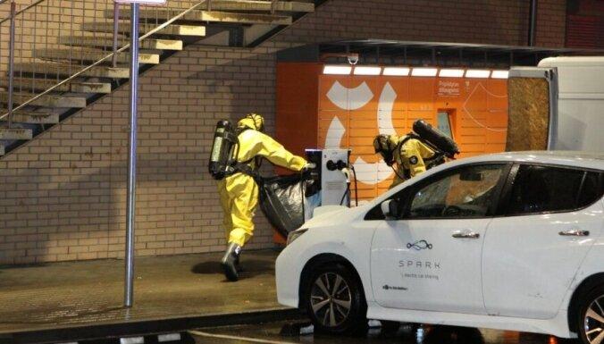 Литва: курьер компании Оmniva отравился испарениями жидкости, которая вылилась из посылки