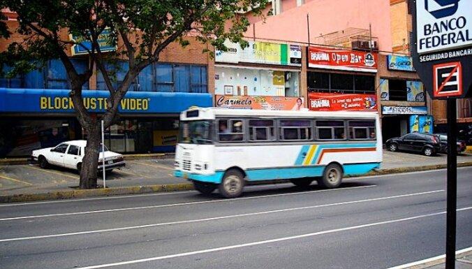 Venecuēlā pirmo reizi šoferim par sodu atņem autovadītāja apliecību
