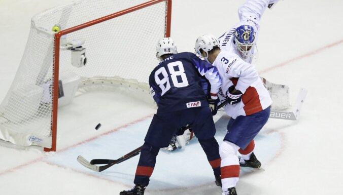 ASV hokejisti bez problēmām pieveic Franciju