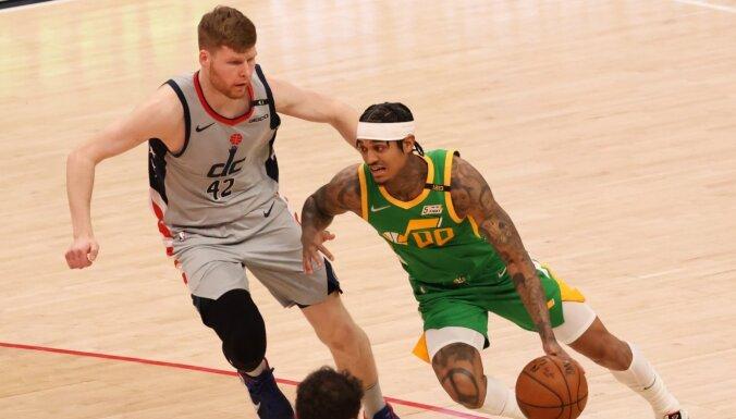 Bertāns NBA spēlē atjauno ikru muskuļa savainojumu