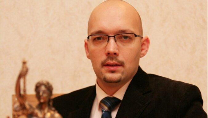 Jānis Mucenieks: Tiesībsargs kā 'karstais kartupelis'