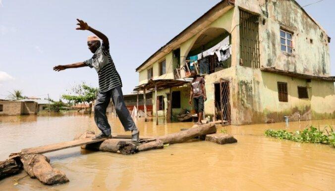 Plūdos Nigērijā gājuši bojā vairāk nekā 100 cilvēki