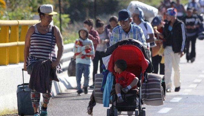 Pirmie Centrālamerikas migranti sasnieguši ASV robežu