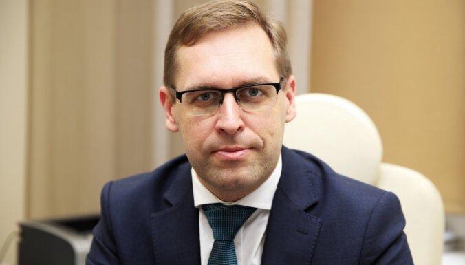 Saeima valsts kontroliera amatā ieceļ Rolandu Irkli