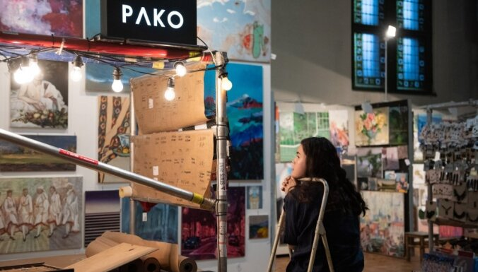 Foto: Durvis ver ikgadējais studentu mākslas darbu tirgus 'Jarmarka'