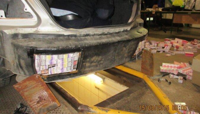 Контрабанда: таможенники нашли тайники в машине и поезде