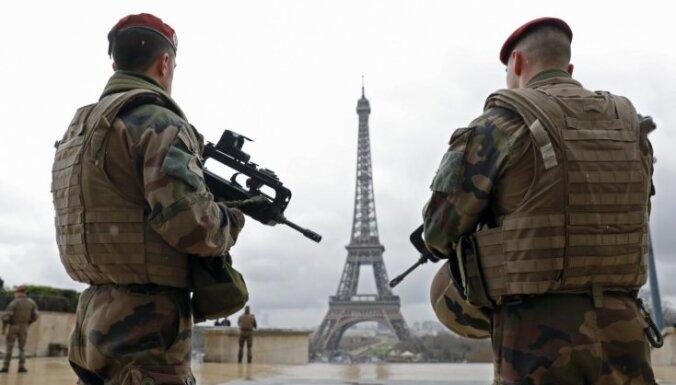 Francijā aizturēti seši cilvēki par uzbrukuma plānošanu Makronam