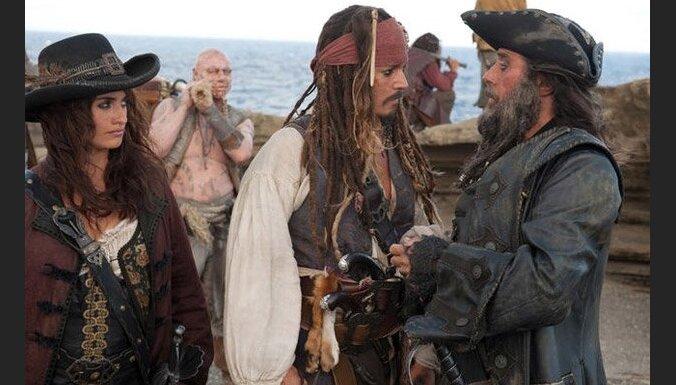 """Пираты Карибского моря 4"" стали миллиардерами"