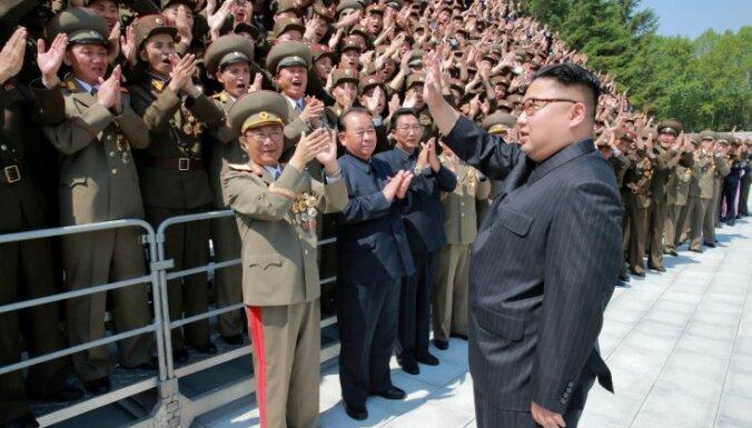 Ким Чен Ын распорядился о серийном производстве новой ракеты