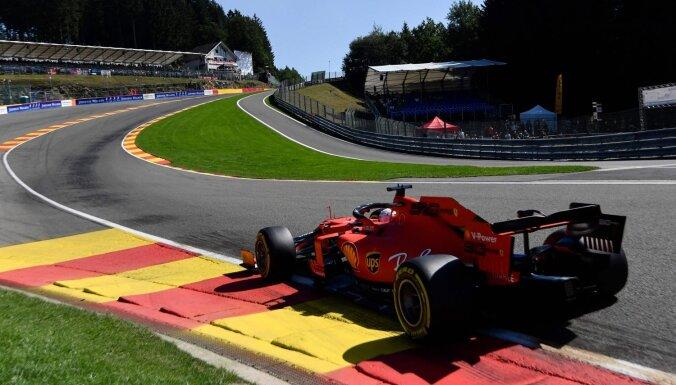 'Ferrari' piloti ātrākie Beļģijas treniņbraucienu pirmajās divās sesijās