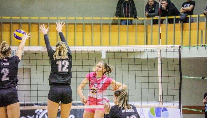Covid-19 radījis izmaiņas nedēļas nogalē plānotajām volejbola spēlēm