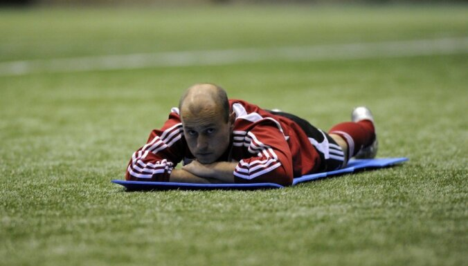 Par spēļu rezultātu manipulēšanu diskvalificē bijušo Latvijas izlases futbolistu Perepļotkinu