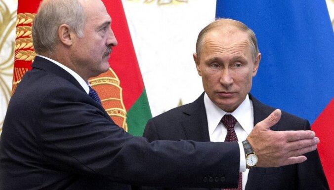 Лукашенко заявил, что Россия принуждает Беларусь к интеграции с ней
