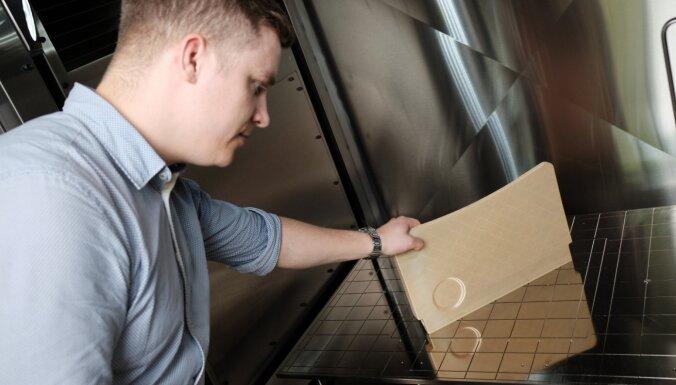 Foto: Latvijas uzņēmums veido automatizētu ražošanas līniju lidmašīnu detaļu printēšanai