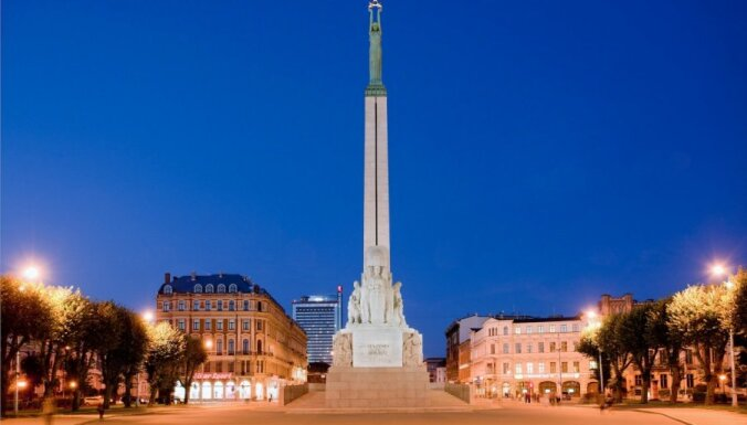 На подсветку памятника Свободы собрано уже более 22 тысяч евро