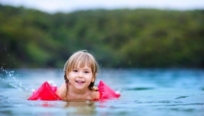 Bērnu ķirurgs: sākoties siltajam gadalaikam, bērnu traumatisms palielinās trīs reizes