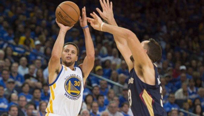 NBA čempioni 'Warriors' ar uzvaru sāk jauno sezonu