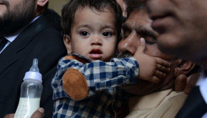 В Пакистане передумали судить 9-месячного младенца