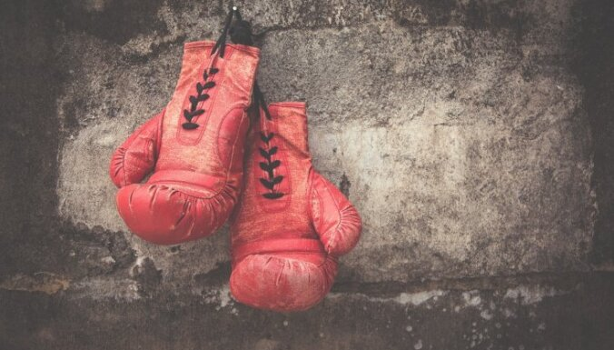 Успешный молодой боксер, убивший возле паба мужчину, оставлен в тюрьме