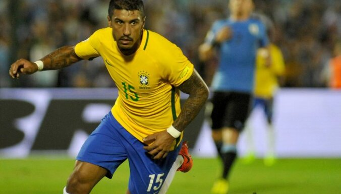 Brazil s midfieler Paulinho