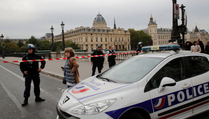 Нападение в Париже: сотрудник полиции зарезал четверых коллег