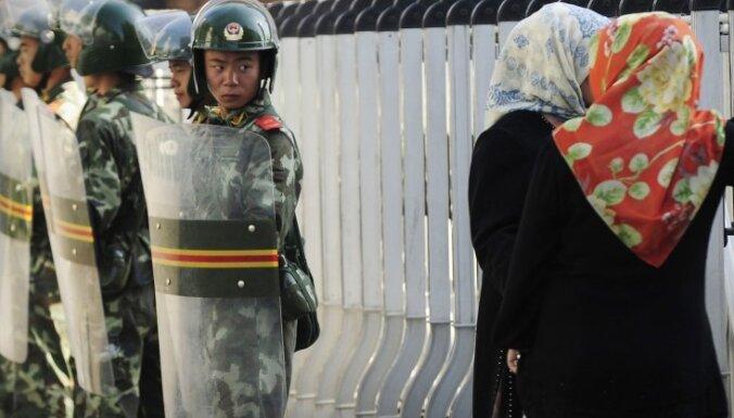 ES dalībvalstis vienojas par sankcijām pret Ķīnu par uiguru tiesību pārkāpumiem
