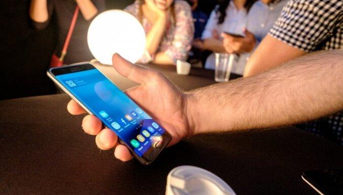 """Samsung: В Латвии мало """"взрывающихся"""" Galaxy Note"""