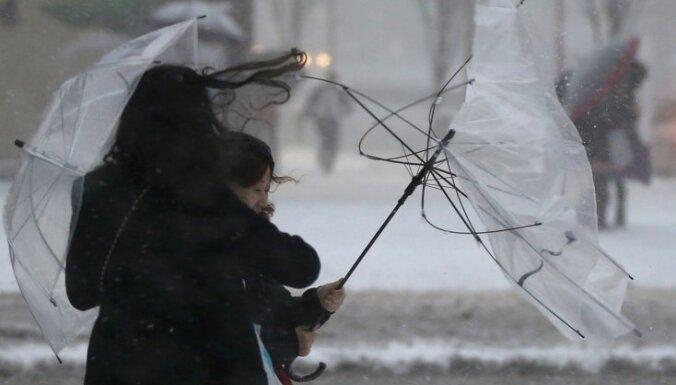 Японию накрыли мощнейшие с начала века снегопады