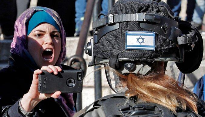 Rietumkrasta aneksijai 'būs jāpagaida' Covid-19 krīzes beigas, paziņo Izraēlas aizsardzības ministrs