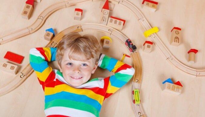 Сейм призвал другие страны немедленно сообщать о намерении адоптировать ребенка из Латвии