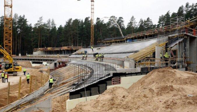 ФОТО: Строительство новой эстрады в Межапарке идет с опережением графика