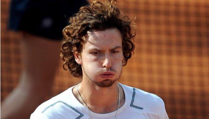 Gulbis ATP rangā zaudē vēl trīs pozīcijas