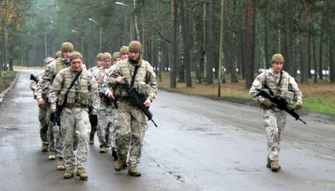 Latvija no ASV saņem militāro aprīkojumu divu miljonu dolāru vērtībā