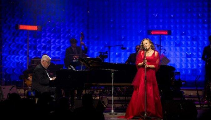 Tiešraidē no Dzintaru koncertzāles skanēs Raimonda Paula dzimšanas dienas koncerts