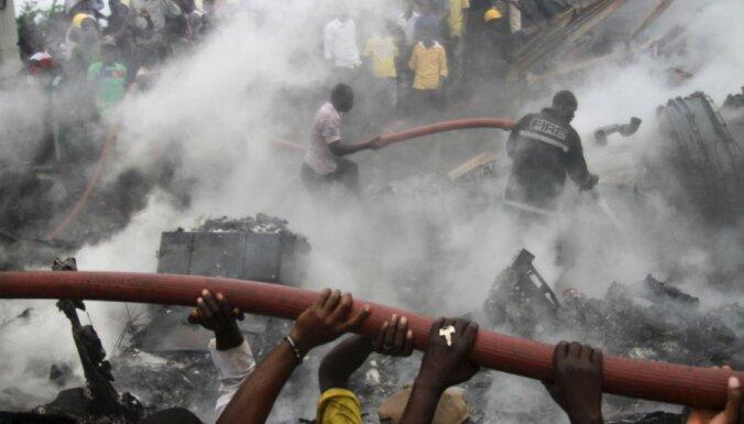 Aviokatastrofā Kongo DR vairāki desmiti bojāgājušo
