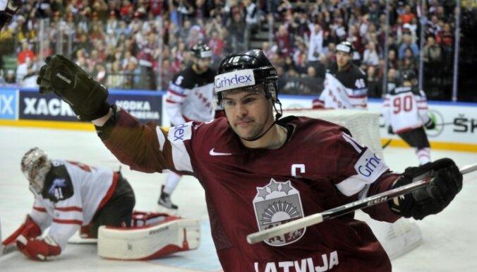 Latvijas hokeja izlase spēli pret Kanādu aizvadīs ar vairākiem līderiem